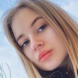 Alisa from Los Angeles | Woman | 24 years old | Gemini