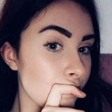 Lola from Lille   Woman   22 years old   Capricorn
