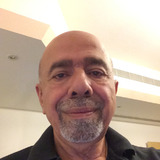 Najib from Dubai   Man   67 years old   Aquarius