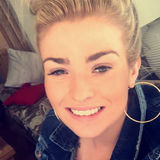 Sarah from Belfast | Woman | 27 years old | Capricorn