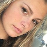 Alinarevans from Canoga Park | Woman | 21 years old | Aries