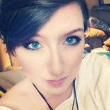 Rebecca from Burnsville | Woman | 25 years old | Capricorn