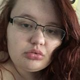 Sarah from Lakeview | Woman | 23 years old | Libra
