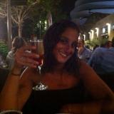 Deborah from Paris | Woman | 34 years old | Capricorn