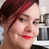Titiange from La Roche-sur-Yon | Woman | 29 years old | Capricorn